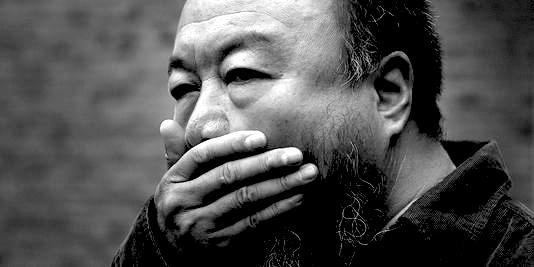100 photos d'Ai Weiwei pour la liberté de la presse dans ART 1766246_3_97a1_ai-weiwei-a-pekin-le-27-septembre_6cee107874b239e752b306afb6e8c7c2